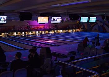 Glow bowling odense