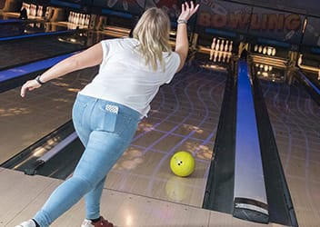 Bowling rammer forbi